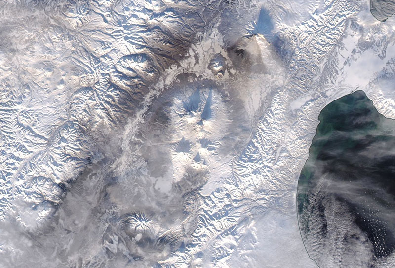 Klyuchevskaya Sopka Volcano on 31 Dec 2018 (MODIS/Aqua)