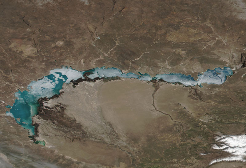 Lake Balkhash, Kazakhstan on 8 April 2019 (Suomi-NPP/VIIRS)
