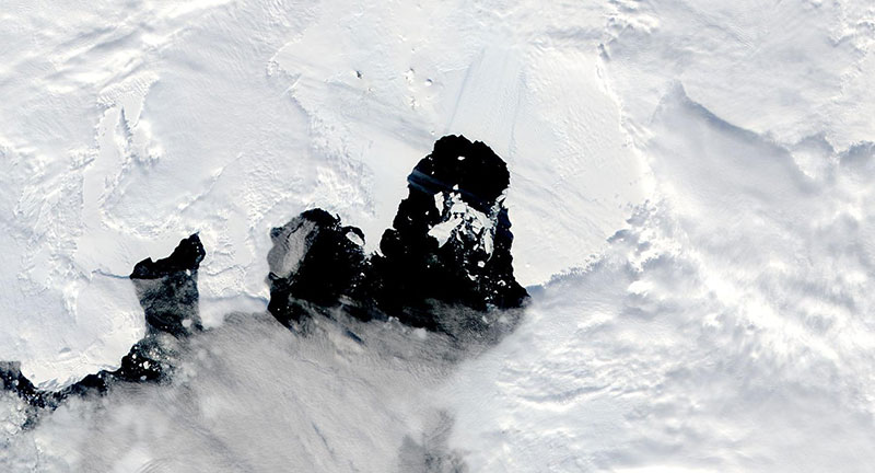 Iceberg B49 from Pine Island Glacier on 15 February 2020 (Aqua/MODIS)