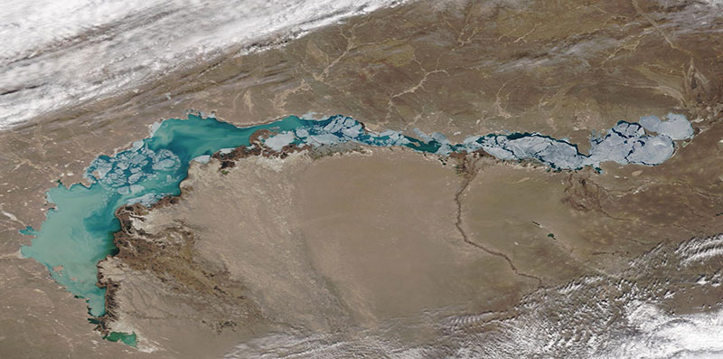 Ice on Lake Balkhash on 28 March 2020 (Terra/MODIS)