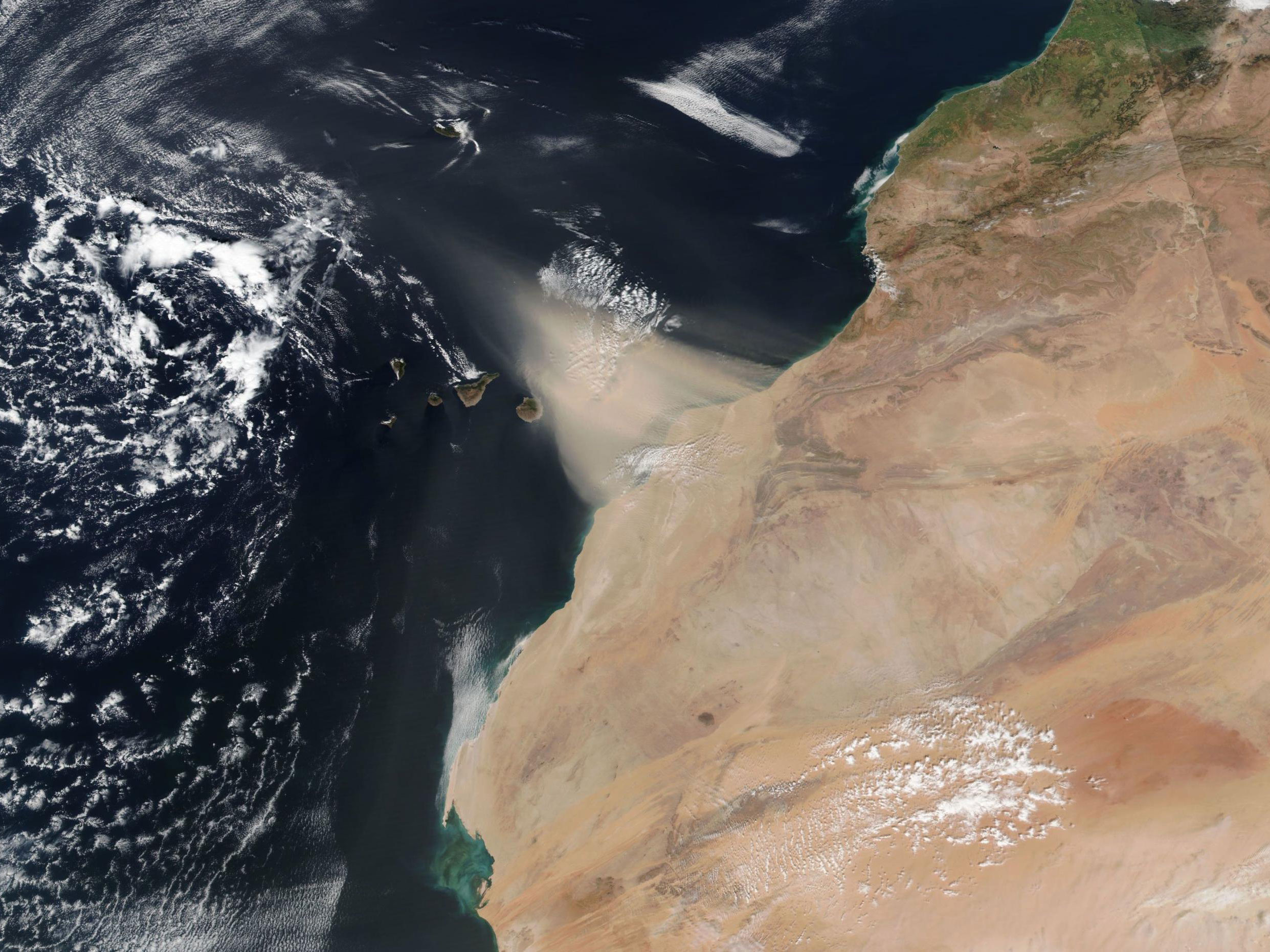 Dust Storm over the Canary Islands on 22 February 2020