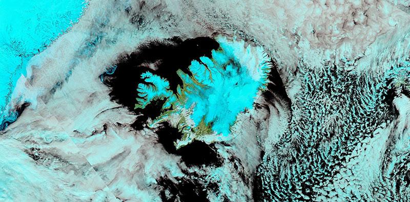 Snow in Iceland on 26 April 2020 (Aqua/MODIS)