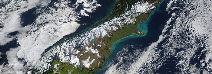 Snow in New Zealand - feature grid