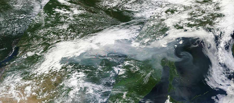 Smoke and fires in Eastern Russia