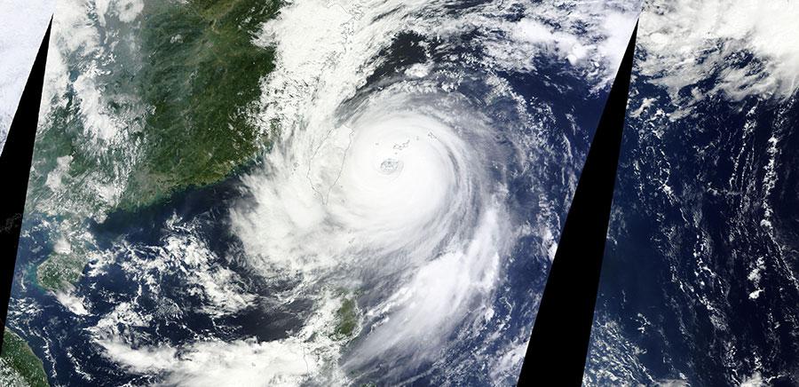 Typhoondujuan 28 Sept 2015 Terra Lg