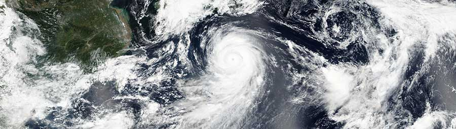 Typhoon Lionrock approaching Japan - feature page