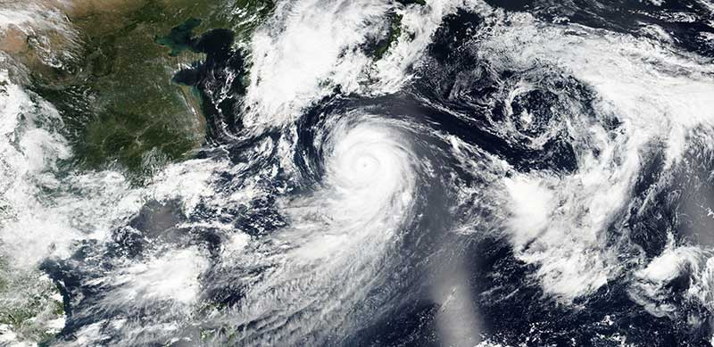 Typhoon Lionrock approaching Japan
