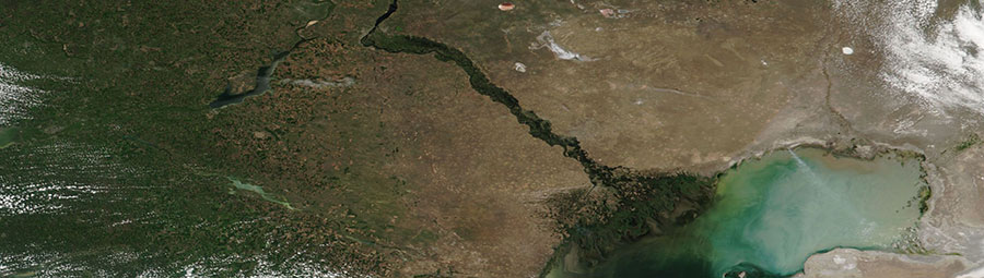 Volga River, Russia - feature grid