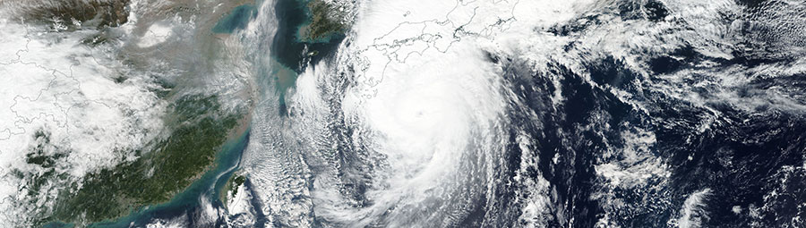 Super Typhoon Lan nearing Japan on 22 October 2017 (Suomi NPP - VIIRS)
