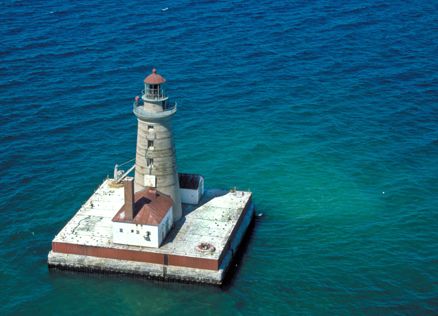 Aerial photograph of Spectacle Reef Light