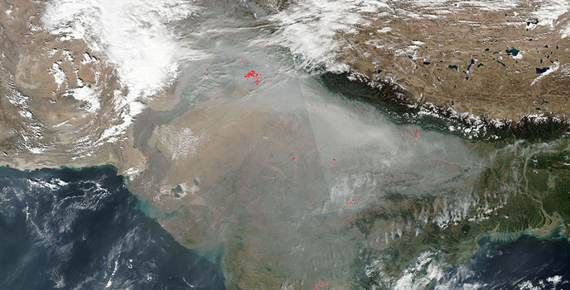 Fire and smoke in Northern India on 13 November 2017 (Suomi-NPP/VIIRS)