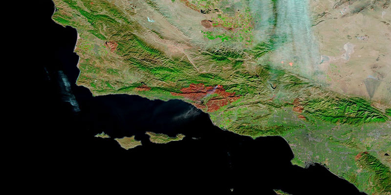 False color image of the Thomas Fire, California on 17 December 2017 (MODIS/Terra)