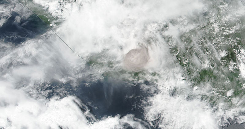 Ash plume from the Fuego Volcano, Guatemala on 3 June 2018 (Suomi-NPP/VIIRS)