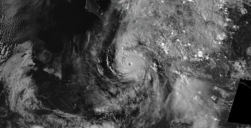 Hurricane Willa approaching west coast of Mexico on 22 October 2018 (Suomi-NPP/VIIRS)